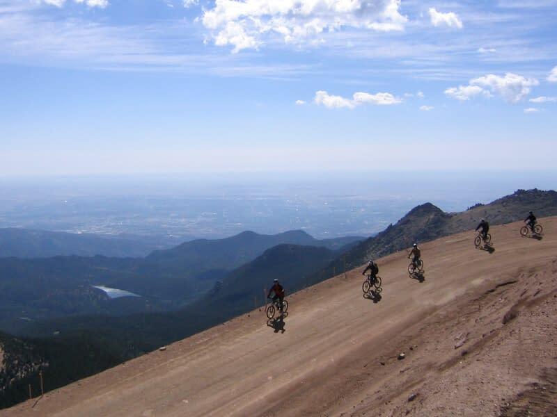 bike down pikes peak