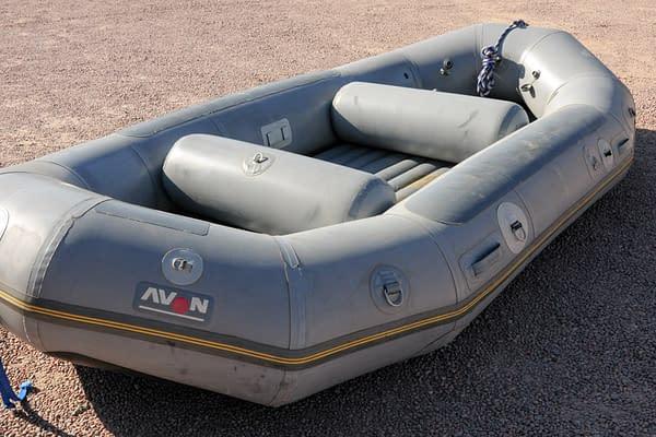14 foot Avon raft for sale - Nenana-04