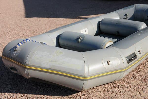 14 foot Avon raft for sale - Nenana-02