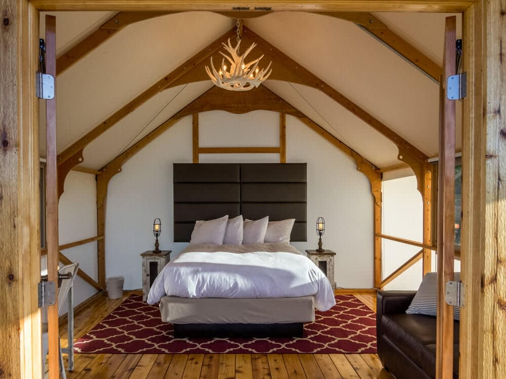 single queen glamping tent